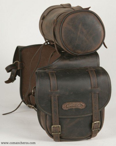 Mid-sized saddlebags with roll