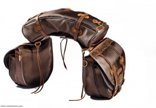 Saddlebag set with double pockets and banana
