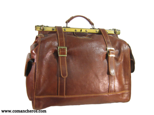 Travel bag with pockets
