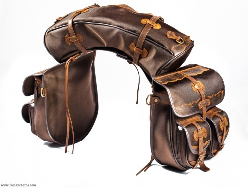 Large saddlebags with pockets and banana
