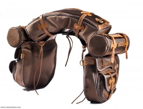 Saddlebag set with pocket and roll
