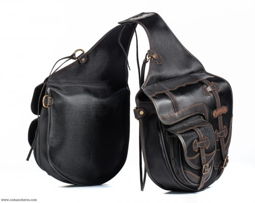 Riding saddlebags with pockets