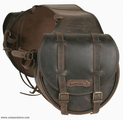 Mid-sized rear saddlebag for western saddle.