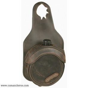 Bottle holder for pommel horn