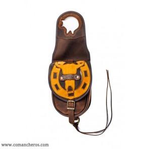 Front saddle bag with horseshoe