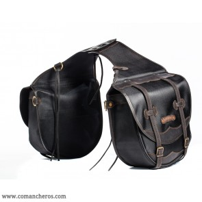 Large rear saddlebags for western saddles