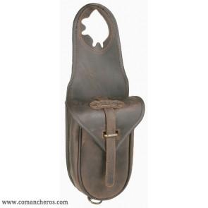 Quick release western saddle bag